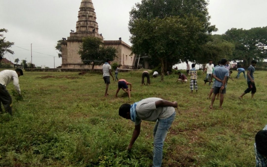 Cognoli samithi of Kolhapur district (Maharashtra) does Seva