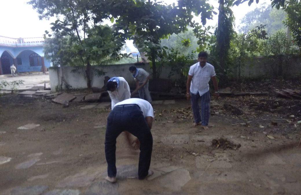*CHUNA HAZOORI samithi of *BETUL district (Madhya Pradesh) does Seva