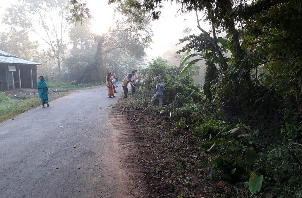 GuruGanj samithi of MIDNAPORE(WEST) district (West Bengal) does Seva