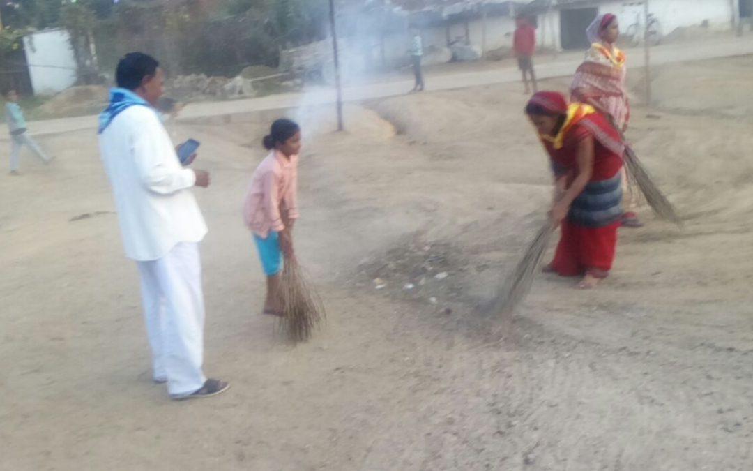 PAKHARA samithi of *SEONI district (Madhya Pradesh) does Seva