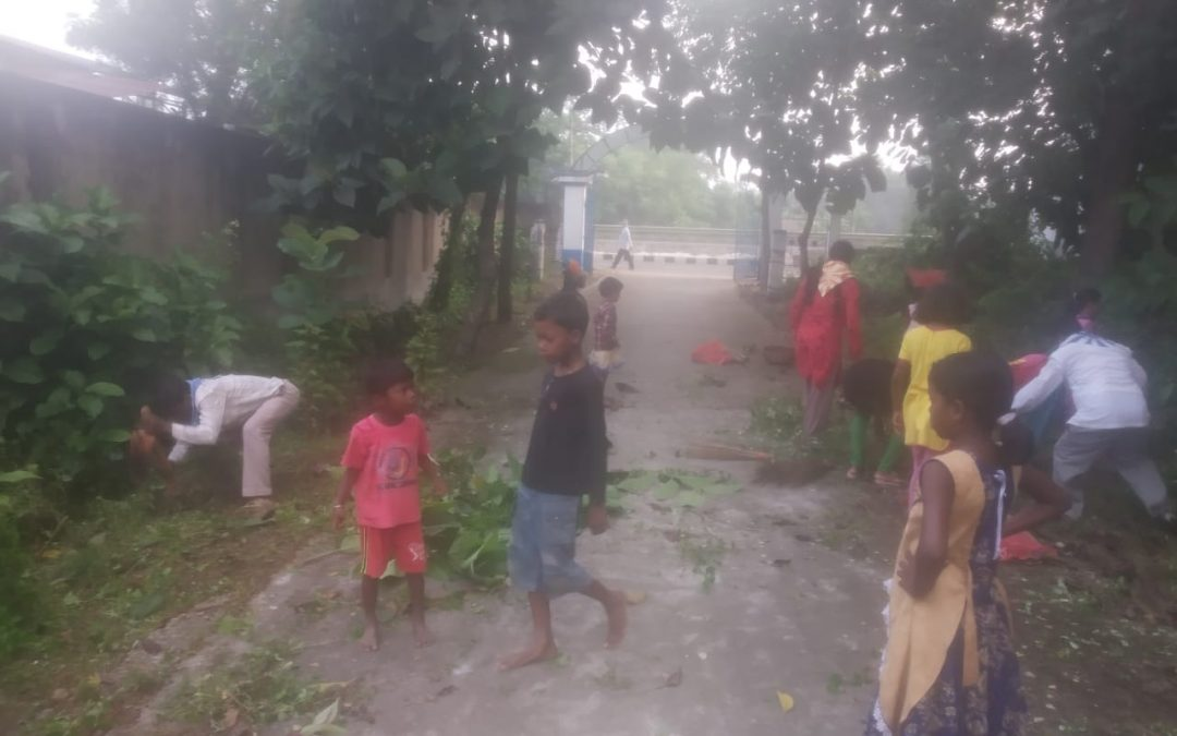 *GALSI samithi of BURDWAN district (West Bengal) does Seva